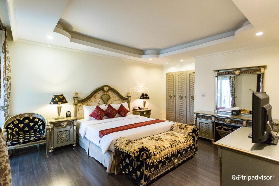 โรงแรมแอลเค รอยัล สวีท