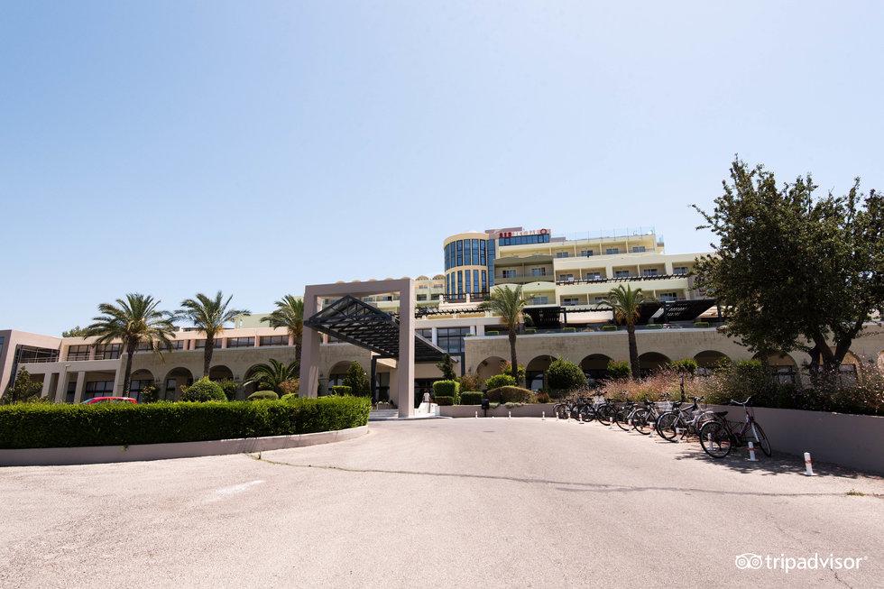 キプリオティス パノラマ ホテル & スイーツ