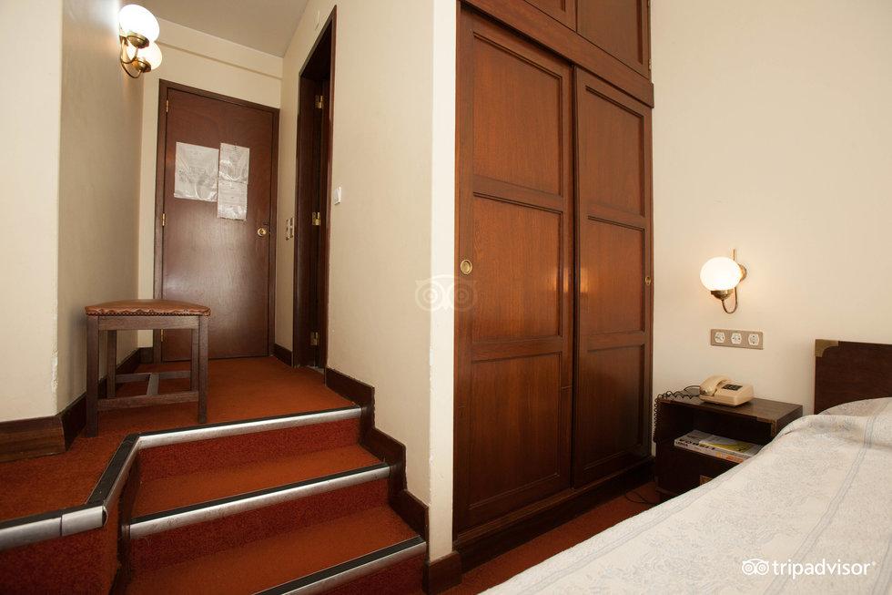 阿爾貝加利亞伊蘇納酒店