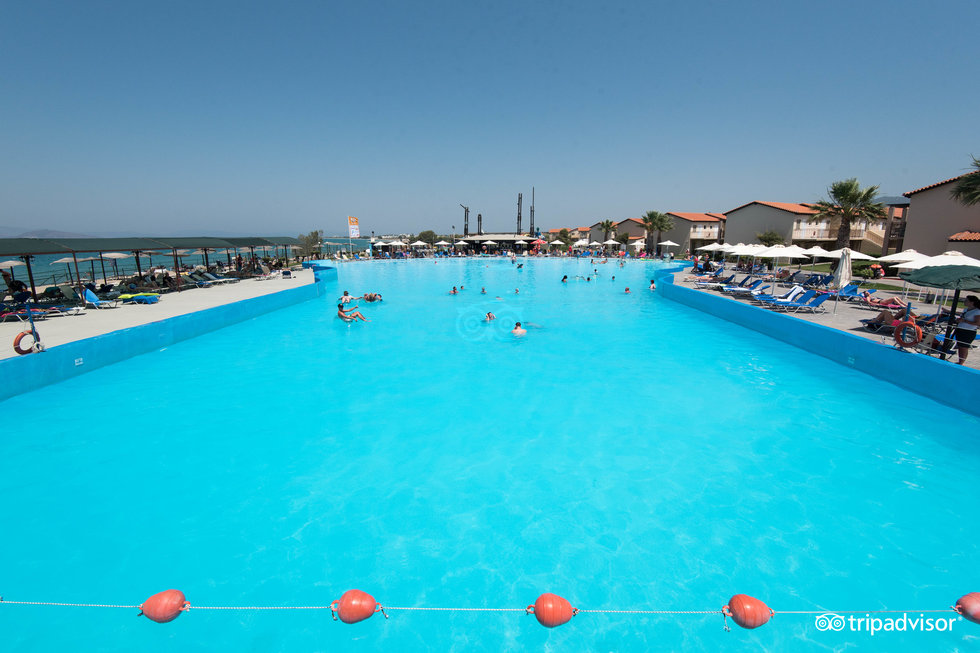 Marine Aquapark Resort