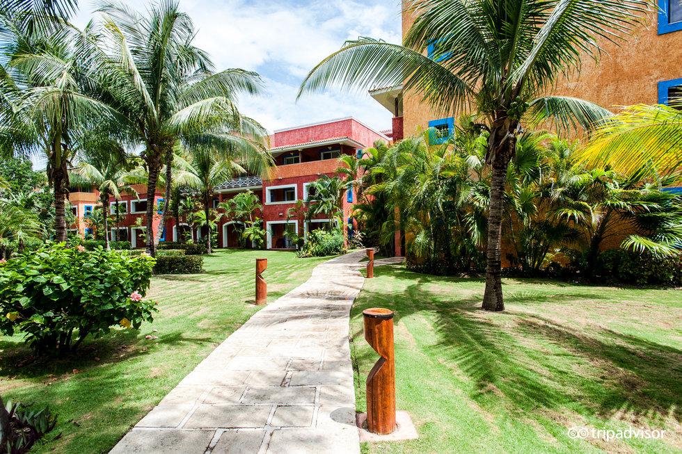 Hotel Barcelo Maya Beach