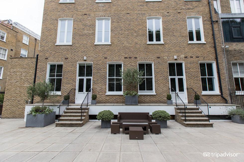 Templeton Place Aparthotel