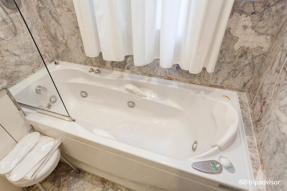 호텔 카 포르투니