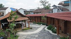 Omae Mbah Dho Guesthouse