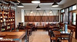 Platanos Rooms & Tavern