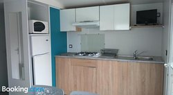 Kitchen or kitchenette