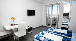 Apartments Nevistic