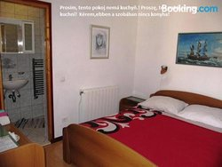 Apartmans and Rooms Dunjini Dvori