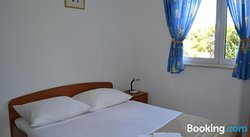 Apartments Munivrana