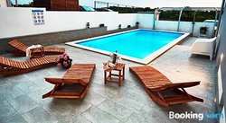 Salis Apartments
