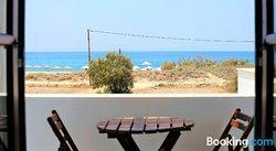 Nostos Plaka Beach