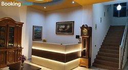 Gurguri Hotel