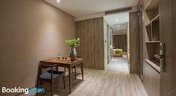 Nanshan Atour Hotel