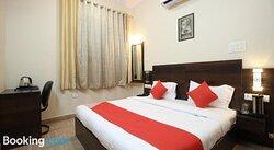 OYO 37188 Aishwarya Inn