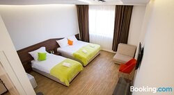 Apel Apartments
