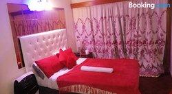 Salama Lodge