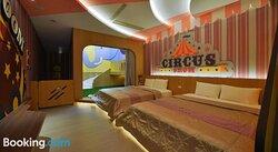 Romantic Code Art Motel
