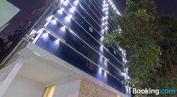 Capital O 69041 Yo Hotel