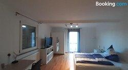 Hell Und Gemütlich Eingerichtete 1- Zimmer Wohnung H