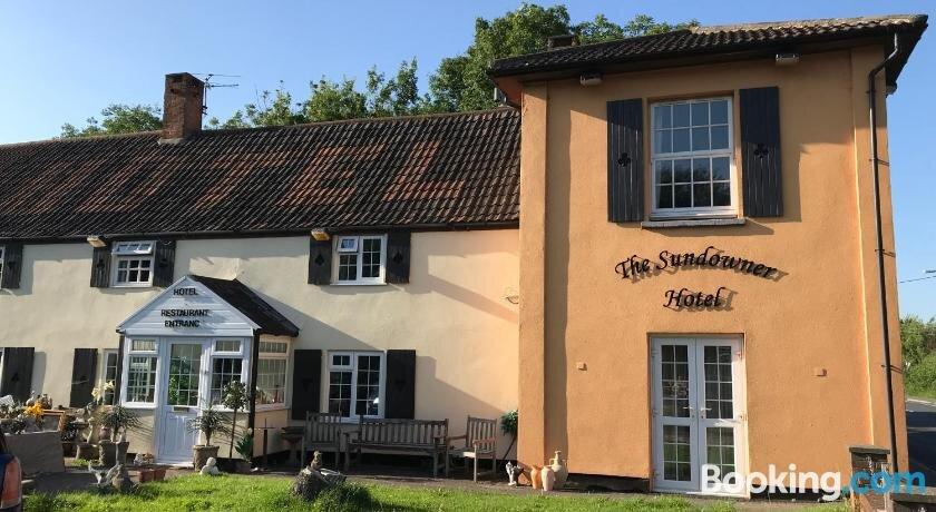 The Sundowner Hotel