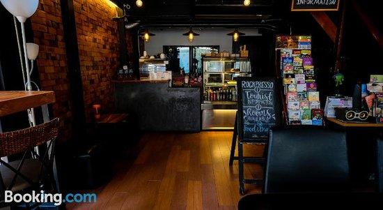 The Ranking Hostel & Cafe