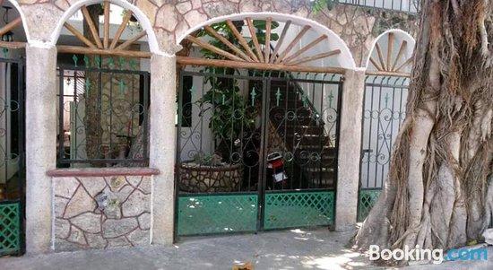 Hostal Zal-Zi