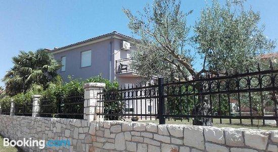 Apartments Emi Novigrad