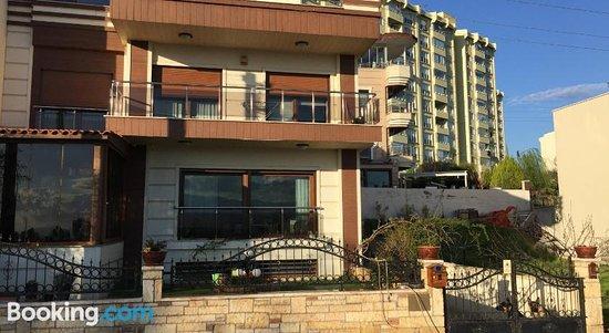 Izmir Detached Family House