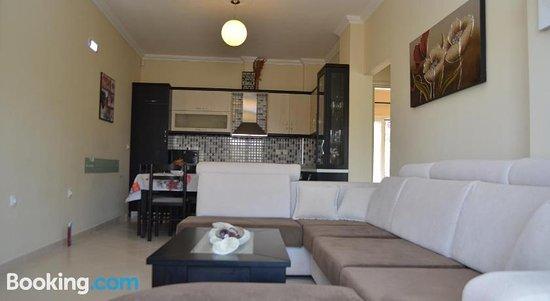 Ria's Apartments