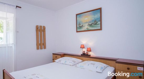 Radovcic Apartments and Rooms