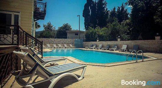 Dinara Garden Hotel