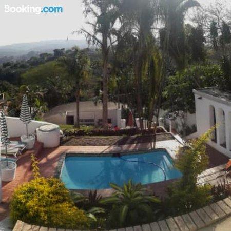 81 On Manor, Hotels in Berea