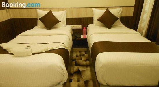 Omicron Hotel