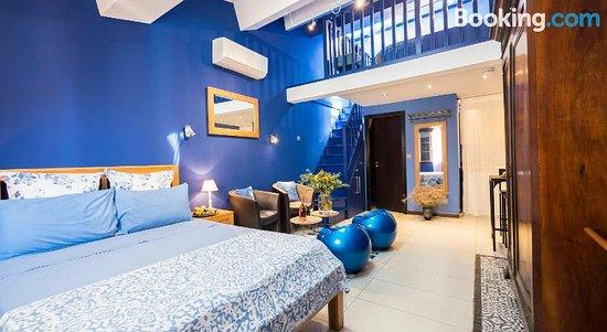 Suites Coronell d'En Vila