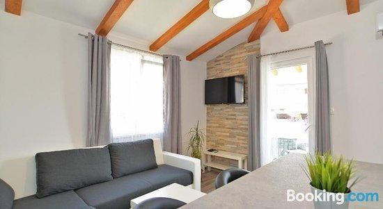 Apartments Stana 1020
