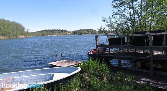 Stilvolle Ferienwohnung Am See Mit Steg Und Eigenem Boot