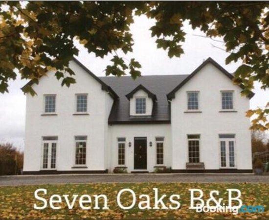 Seven Oaks B&B