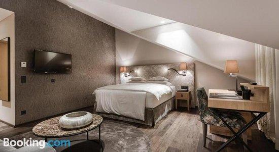 Eva Hof Lakeside Suites