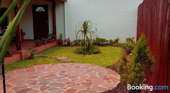 Hostal Deyluwin, Hotels in Juayua