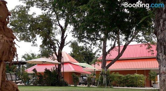 Wapipathum Earthern House