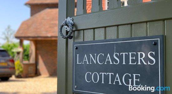 Lancasters Cottage, Hotels in Horsham