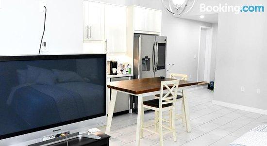 Aurora Max Luxury Guest House