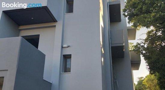 Yannis Apartments Sea View