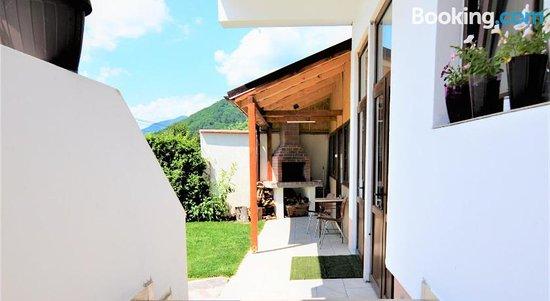 Casa Miraj