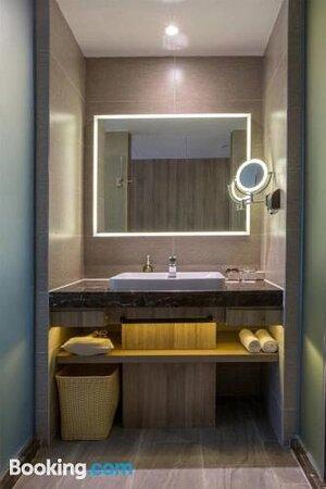 Atour Hotel (Shenzhen Nanshan Coastal City)