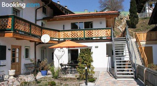 Ferienwohnungen Rosenhof, Hotels in Tegernsee