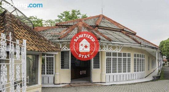 SPOT ON 2341 Hotel Padjajaran 2