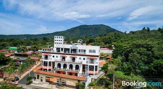 Vision Inn & Suites, Hotels in Juayua
