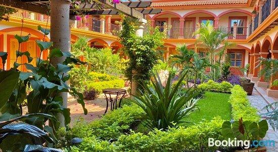 Encanto de la Sierra Hotel