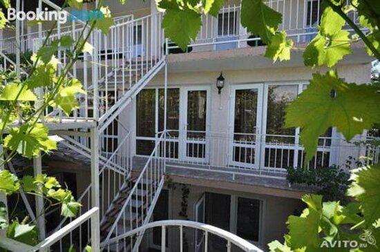 Guest House on Dzerzhinskogo 22